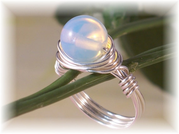 Moonstone Ring, Silver Ring, Statement Ring, Cocktail Ring, Novelty Ring, Wire Wrapped Ring, Solitaire Ring, Bridal Jewelry, Modern Ring