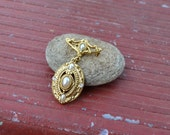 Bridal Rhinestone Faux Pearl and Gold Tone Art Deco Vintage Pin
