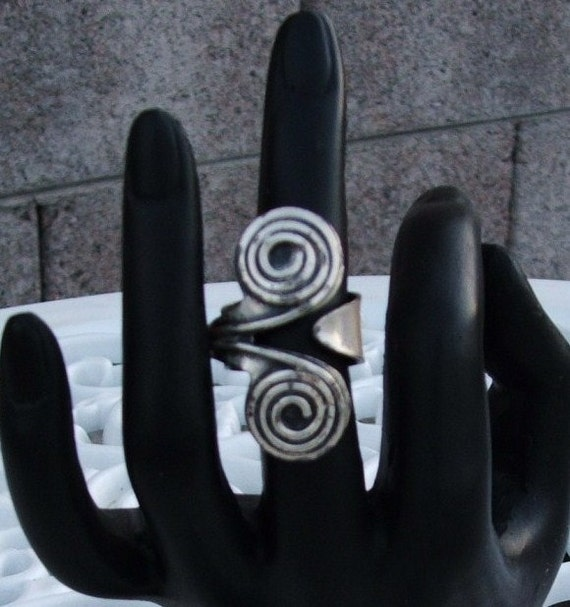 Vintage Labyrinth Ring