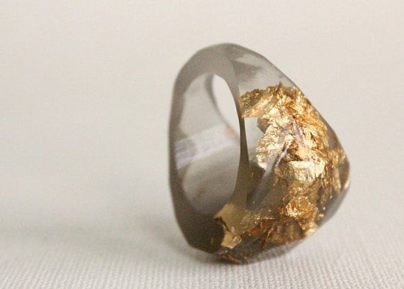 grey gold soft faceted eco resin ring with suspended gold leaf