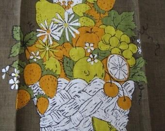 Fruit basket. Lovely vtg Luther Travis kitchen hand towel, fruit and flowers.