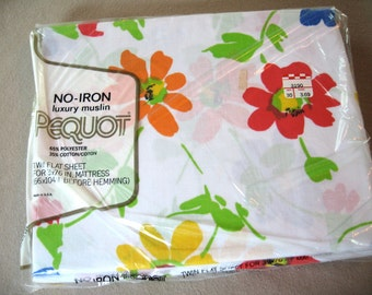 SALE. Guest room. 1 or 4, Vtg twin flat sheet, florals, new in package, never opened.