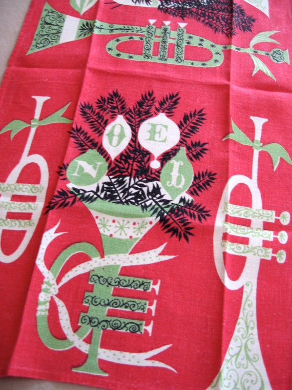 Tammis horns. Vtg Tammis Keefe kitchen or tea towel, linen. Great condition.