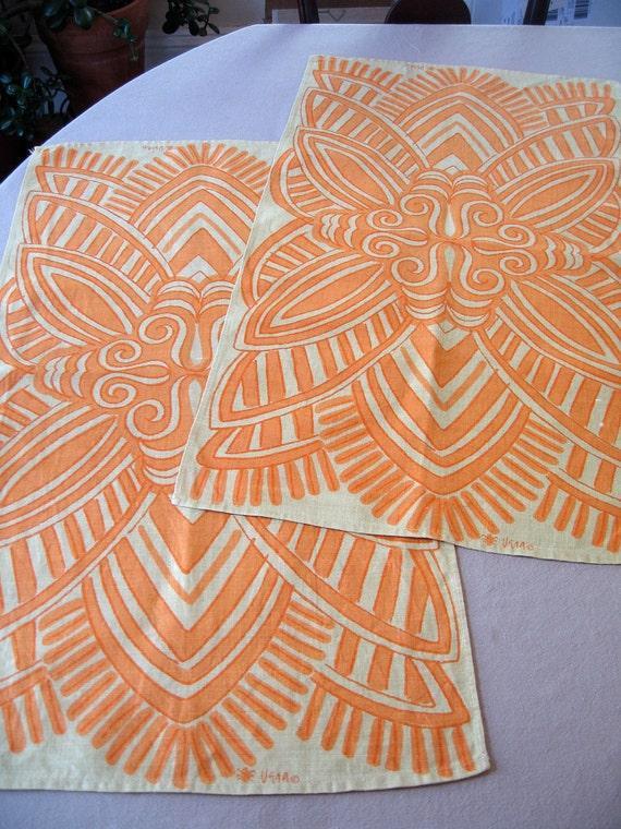 2 set, Vera bold batik. Striking Vera Neumann geometric towels, set of 2, good condition.