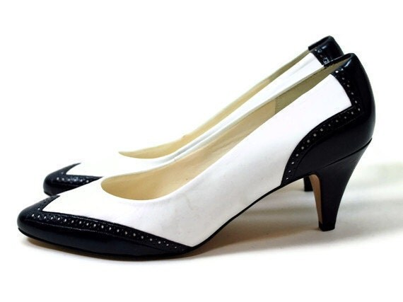 What To Wear Spectator Shoes With