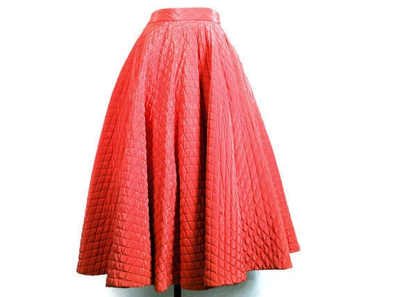 1950s Skirt - Quilted Full Circle Skirt in Salmon or Coral Pink (size extra small to small)
