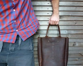 Leather bag in brown,(medium size)with leather shoulderstrap COLLECTION UNISEX