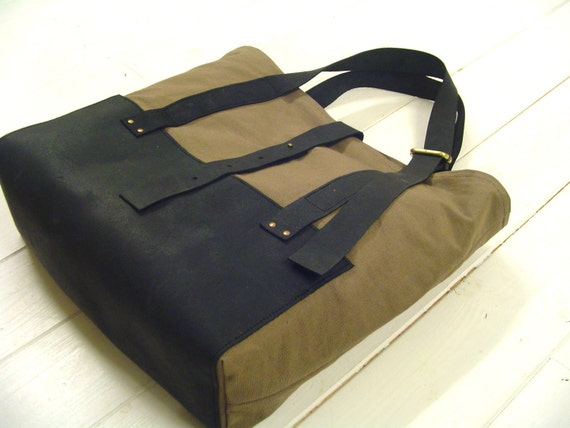 recycled vintage cotton tote bag with leather bottem and adjustable shoulderstrap COLLECTION UNISEX