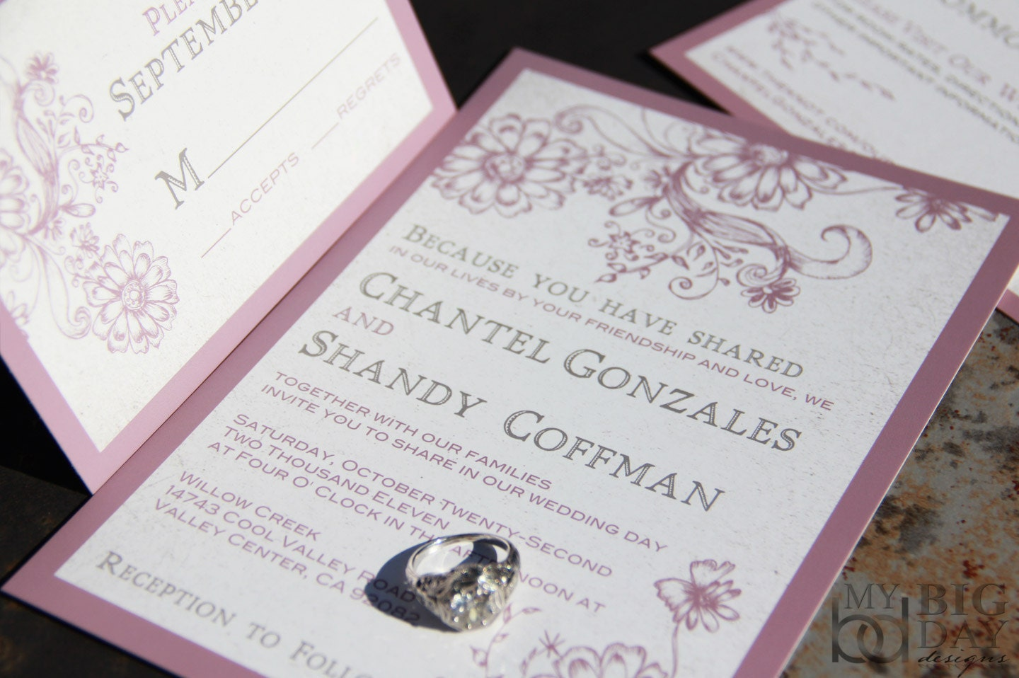 Garden Wedding Invitations: Graceful Garden Wedding Invitation Set. Playful Garden Wedding