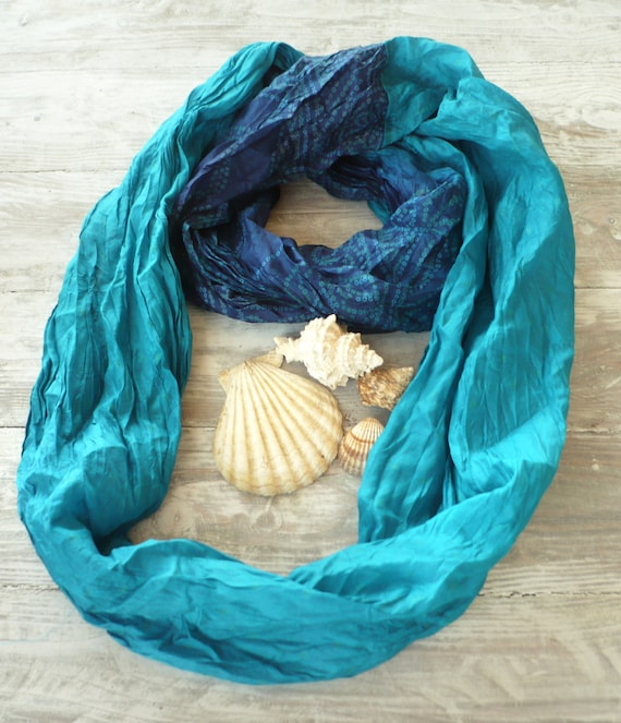 Turquoise Infinity Scarf in recycled sari silk, Wearable Woman  accesories Tua