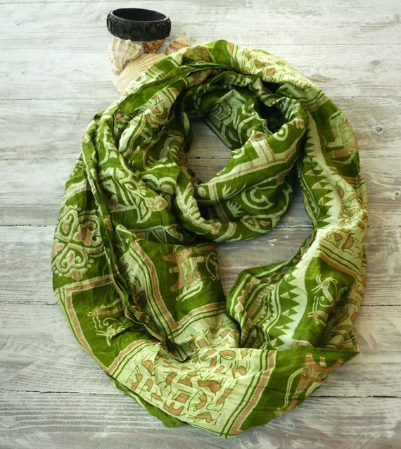 Infinity Scarf Lima green in recycled sari organza silk, tribal style Woman  accesories V