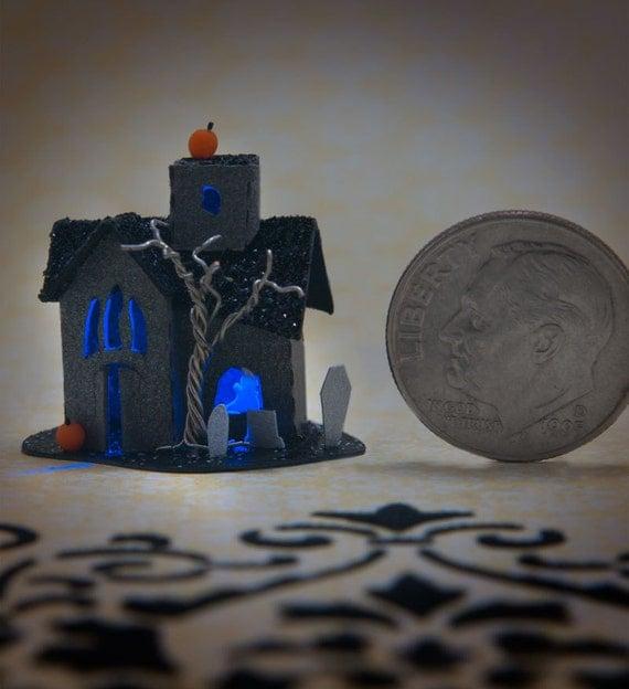Miniature Glitter House Kit - Halloween Haunted House with Blue Light