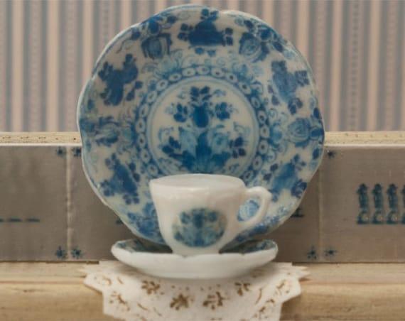 Miniature Blue Dishes Kit