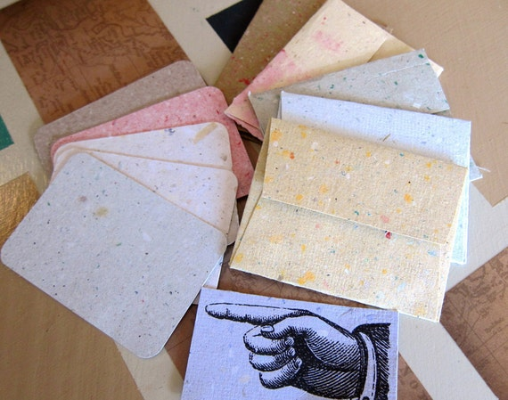 5 handmade recycled paper mini-envelopes and note cards