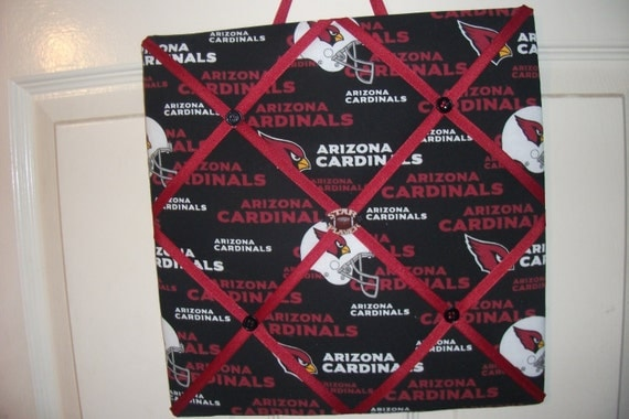 Arizona Cardinals Memo Board, great as a gift, for the mancave or the diehard football fan. Hang pictures or memos without thumbtacks