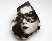 Masked Woman Photo Stone Augenblick Photo Avatar