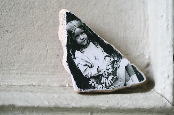 Black Eyed Susan Vintage Photo Stone