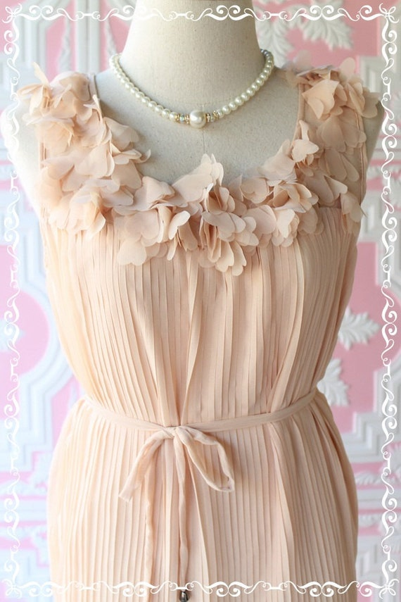 Wink Heart - Dress - Pastel In Autumn - Beige Nude Toned