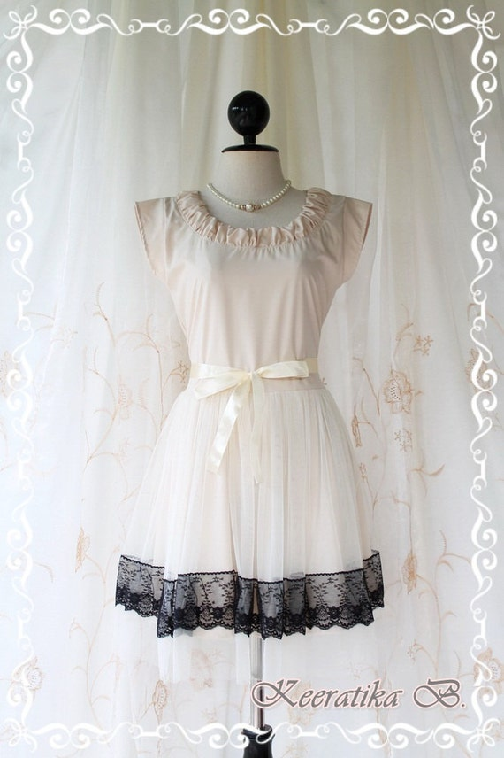 Lady In Tokyo - Sweet Light Vanilla Cream Girly Dress Round Neck Two Layers Skirt With Tutu and Black Lace Party Wedding Cocktail