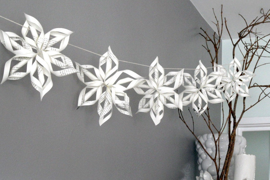 how to cut paper snowflake chains