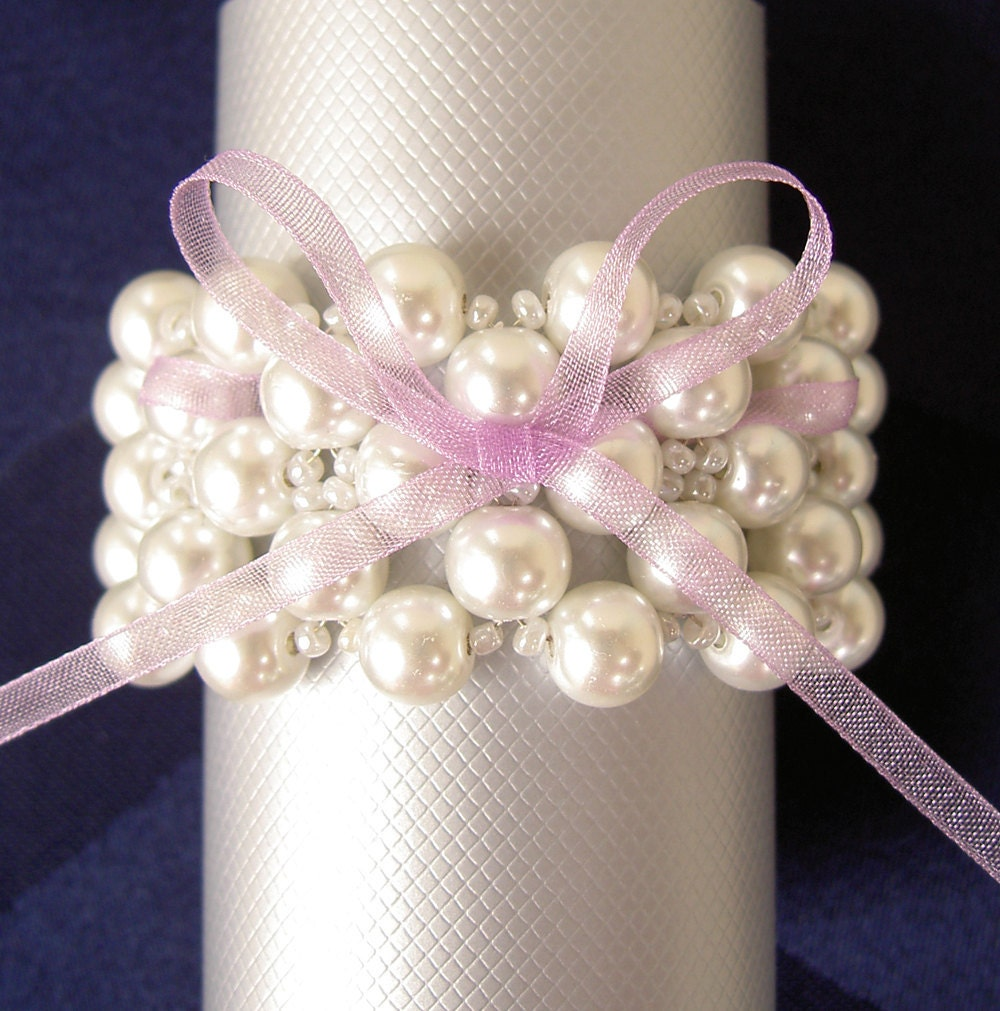 wedding napkin rings pearls napkin rings beaded napkin by umis With napkin rings wedding