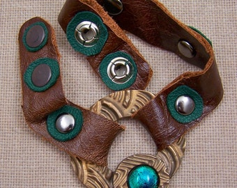 Bronze & Brown Leather Bracelet Snap Cuff - Squiggle Rainbow Textured Ring with Emerald Dichroic Glass