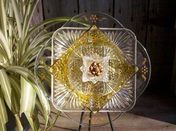Upcycled garden yard art glass forever flower home decor for Upcycled yard decor