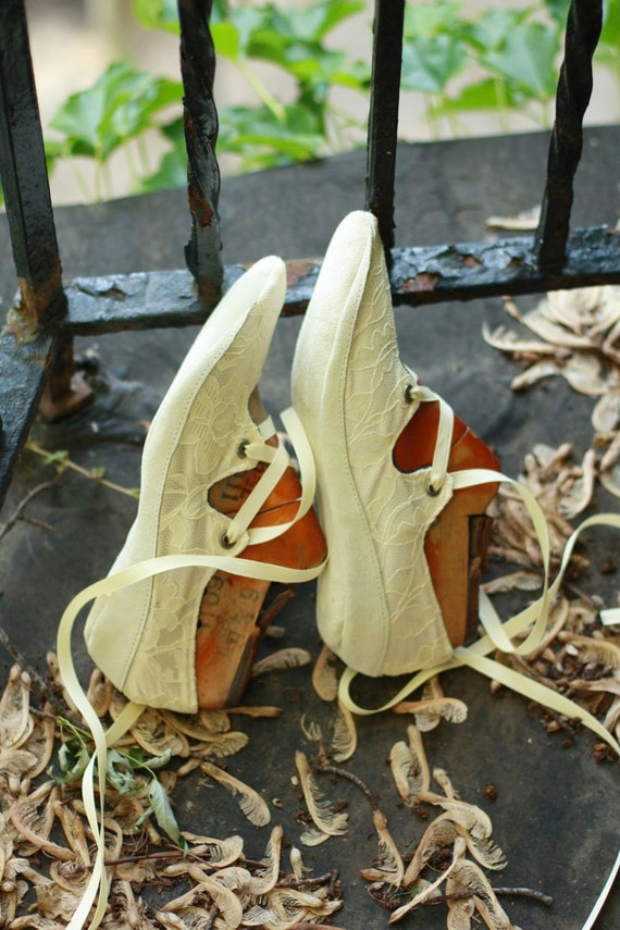 Size 8.5 W, Ready to Ship, Oval Toe Wedding Gillies with Dancing (or Light Outdoor) Suede Soles