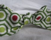 Green Hex Holiday Bow Tie