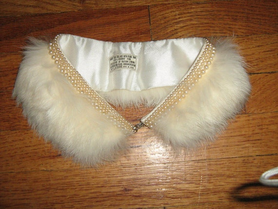 15% Coupon 1950's  Pearl and Rabbit FUR White Collar for Cardigan Glam Pin up Burlesque Rockabilly VLV