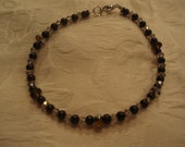 Small blk glass beaded bracelet crystals