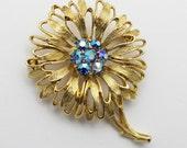 Vintage Gold Lisner Brooch Signed