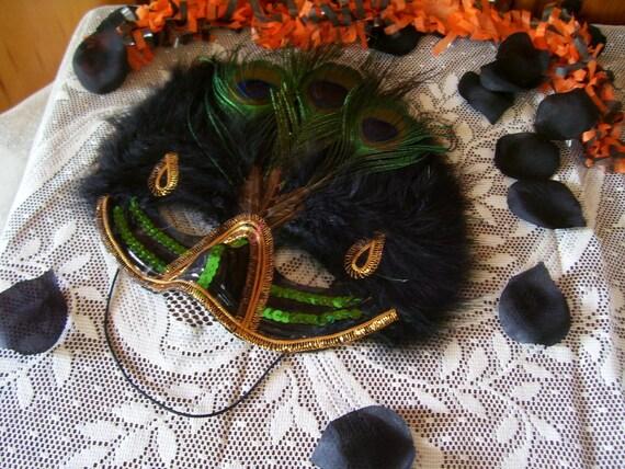 Vintage 1989 Gorgeous Exotic Peacock Feather Mask Mardi Gras