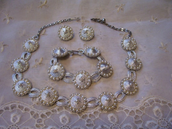 Coro Necklace Bracelet & Earrings Set Vintage Burlesque Jewelry Silver Faux Pearls