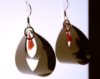 Unique earrings made of Floppy Disk and 35mm Film - Collection : Black Diamond / Boucles d'oreilles en disquette et pellicule de film 35 mm