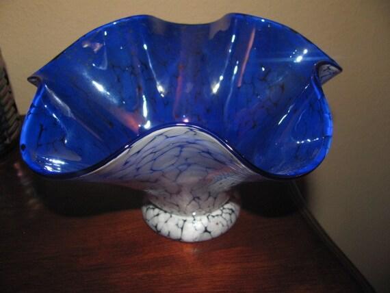 Handblown FreeStyle Iridescent Blue/White Vase