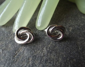 "Vintage 1""  Silvertone Knot Clip On Earrings by Trifari"
