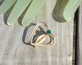 "Vintage 1 1/4"" Heart Goldtone With Green Rhinestone Celtic Irish Themed Pin"