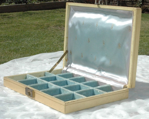 Vintage Mele Jewelry Box - Blue Velvet and Satin
