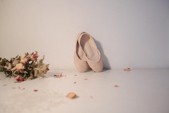 RESERVED for Jelena, Soft Leather Ballet Flats. Pale Dust Rose.