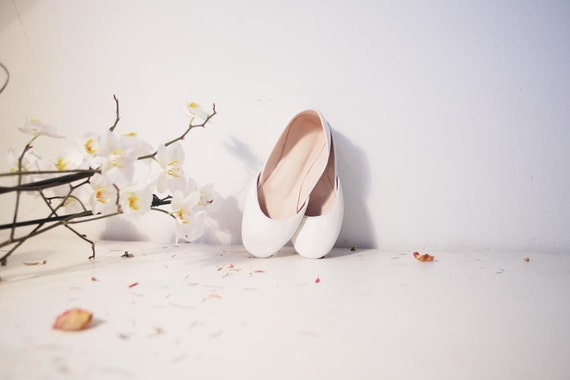 Soft leather ballet flats. White Lilies.