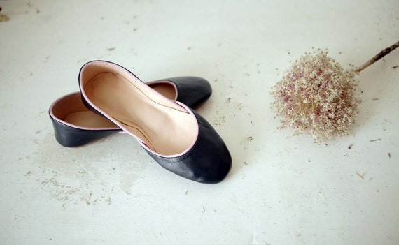 Soft Leather Ballet Flats. Navy Blue