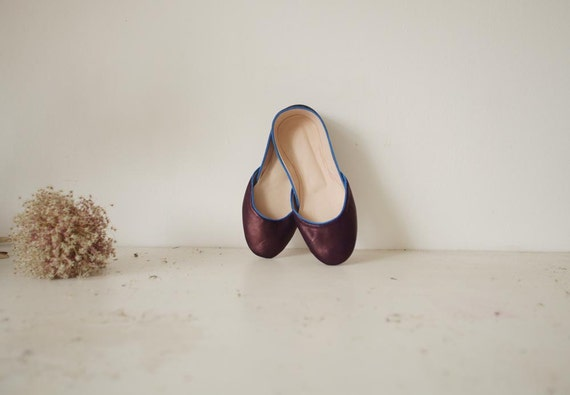 Soft Leather Ballet Flats. Plums.