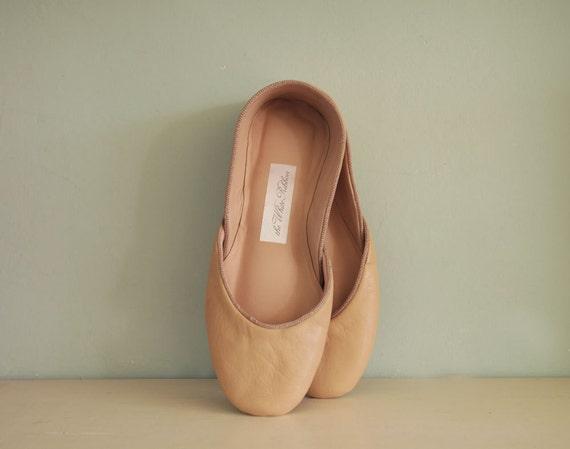 NEW. Soft Leather Ballet Flats. Latte Macchiato. Size 9.5