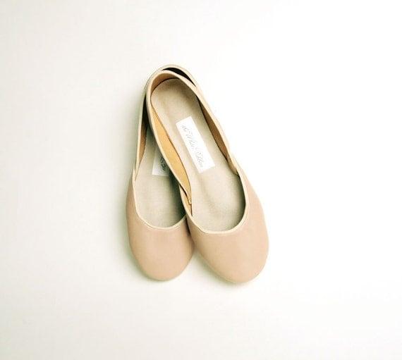 Soft leather ballet flats. Café au lait.