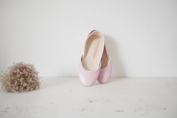 summer sale. soft leather ballet flats. blush.