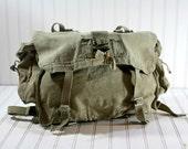 Vintage Canvas Messenger Bag / Vintage Military Bag