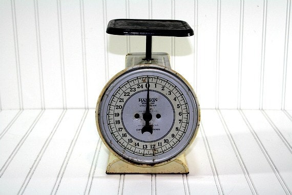 Vintage Scale / Kitchen Scale