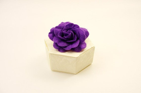 Ivory Hexagonal  Wedding Favor Box With Purple Felt Rose- Suitable for table decoration, purple theme weddings, gift box, bridesmaids gift