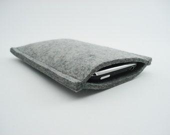 iPhone or Droid Sleeve - 100% Merino wool - Gray - Portrait